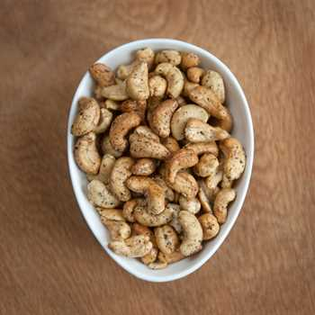 Smoked Cashews with Black Pepper